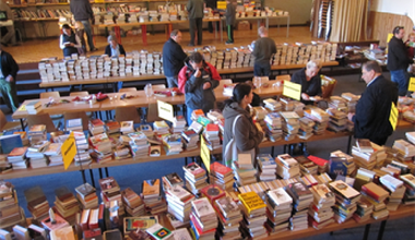 Tesaserbild für den Artikel Bücherflohmarkt der Superlative im Pfarrsaal Bürs