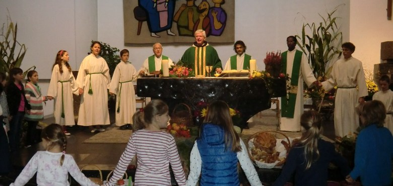 Herzlicher Empfang für Pfarrer P. Adrian in Bürs