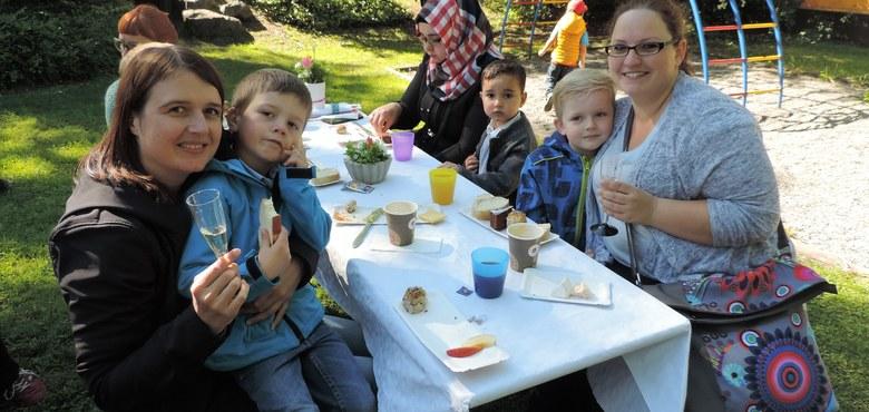 Muttertagsfrühstück im Pfarrkindergarten Heilig Kreuz