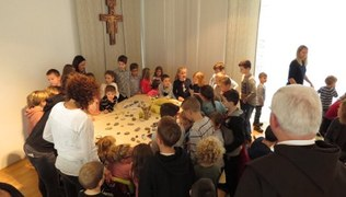 Vorschaubild Familienfrühstück und Vorstellungsgottesdienst der Erstkommunionkinder