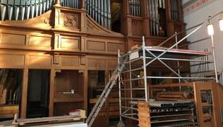 Vorschaubild 10. Juli 2020 – Die Arbeiten laufen wieder; Zweites und drittes Werk werden nun gereinigt und saniert; auch der Spieltisch ist schon zerlegt.