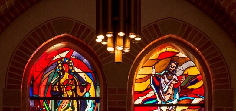 Glasfenster von Martin Häusle - Kirchenführung