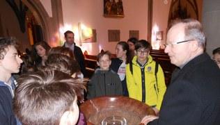 Vorschaubild Firmlinge besuchen Bischof Benno