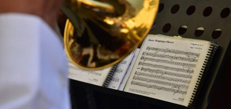 Kunst zum Gottesdienst - Trompete und Orgel