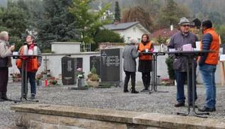Vorschaubild Eine gute Begegnung am Friedhof