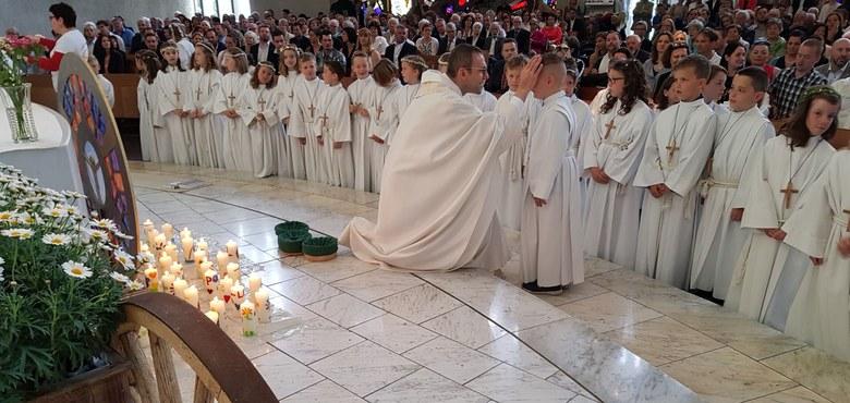 """""""Jesus, unsere Mitte"""" - Erstkommunion 2018"""