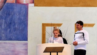 Vorschaubild Familiengottesdienst mit Ministrantenaufnahme