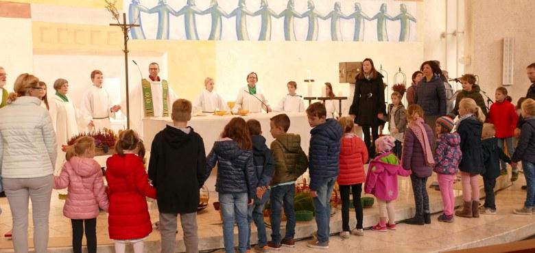 Familiengottesdienst mit Einzelsegnung der Kinder zum Schul- und Kindergartenstart