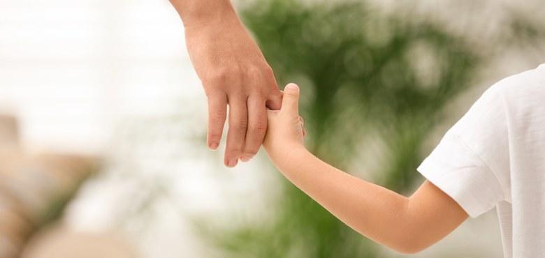 Ausgangsbeschränkungen durch Corona – Ausnahmebestimmung  zum Kontaktrecht von Kindern