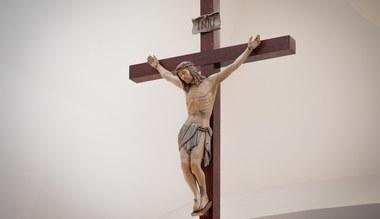Tesaserbild für den Artikel Liebe weiße Kirche