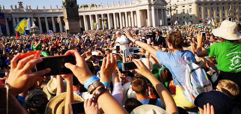 56.000 Minis und mittendrin der Papst
