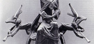 Christusfigur in der Apsis