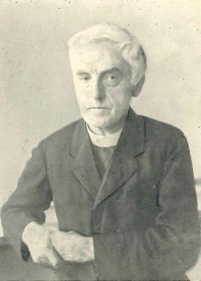 Dr. Andreas Ulmer