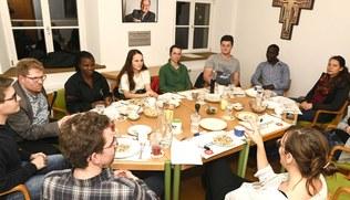 Vorschaubild Englischer Pasta Talk für Vorarlberger Studierende