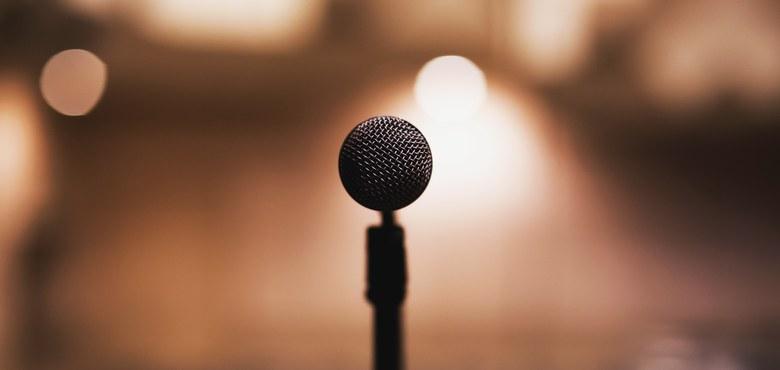 Öffentlich auftreten, vor Publikum sprechen