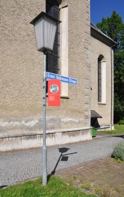 Ernst-Volkmann-Stiege + Straßenschild