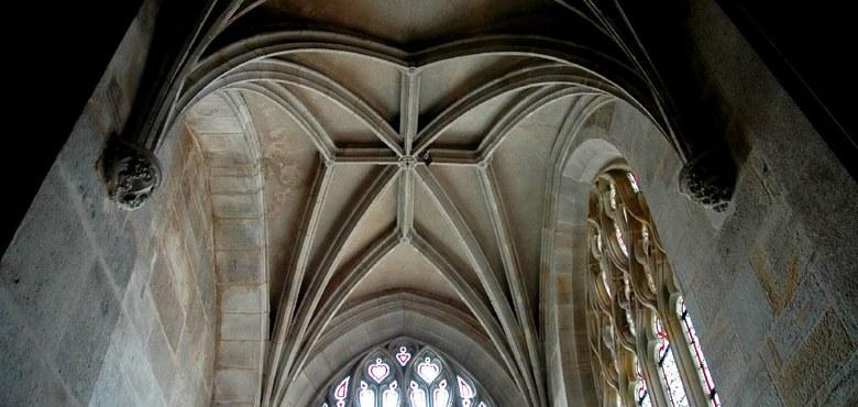 Kirchenbau zwischen Funktion und Symbol