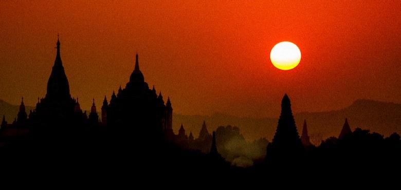Schwierige Mission: Papst Franziskus in Asien
