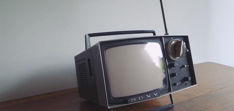 Tipp: Radio aufdrehen, Fernseher einschalten