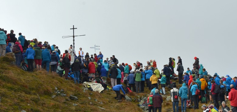 Gipfelmesse am Kreuzjoch im Montafon