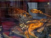 Kopf des Heiligen Valentin im Schrein unter dem Altar der Kirche San Valentino in Terni.