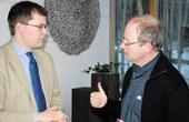 Photo: Gasperi / Dr. Liborius Lumma (li) und GV Benno Elbs