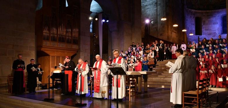 """""""Die Eucharistie in einem Mahl empfangen"""""""