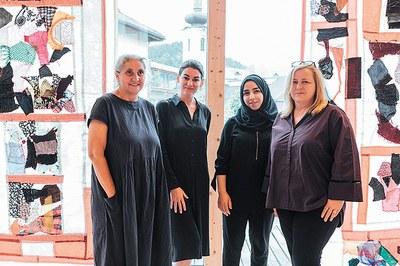 Künstlerin Nesa Gschwend (v.l.), Bettina Steindl, Nawress Al Anbagi und Stefania Pittscheider.