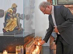 Bischof Benno Elbs - Bildstein - Kerze