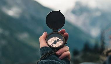 Tesaserbild für den Artikel Kompass Christentum