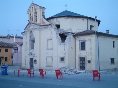 Erdbeben Kirche klein