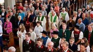 Vorschaubild Ein freudiges Fest - Pfarreinzug Pfarrmoderator Norman Buschauer