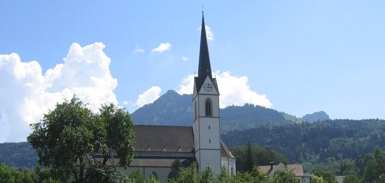 Sonntagsmesse mit Gedenken der Opfer der Weltkriege