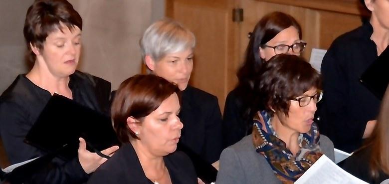 Gregorianischer Choral und deutsche Liturgiegesänge zum Hochfest Pfingsten
