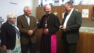 Vorschaubild Bischof Benno Elbs und Pfarrer Hans Tinkhauser