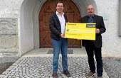 Spendenübergabe Kameradschaftsbund | Pfarrer Rainer Büchel und Obmann Helmut Loacker