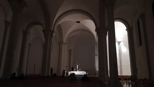 Vorschaubild Nacht unter dem Kreuz