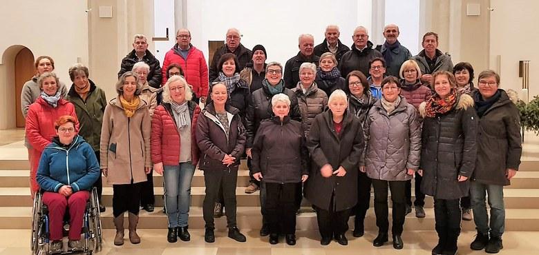 Der Kirchenchor singt Spirituals und rhythmische Lieder