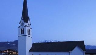 Vorschaubild Kirche von aussen