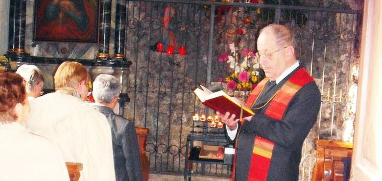 Weihe des Kreuzweges in der Lourdeskapelle