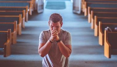 Tesaserbild für den Artikel Keine Gottesdienste...