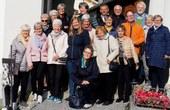 Die Gruppe vor der Kirche