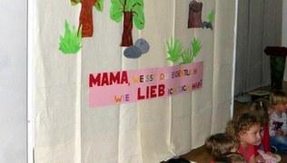 Vorschaubild Senioren feiern Muttertag