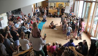Photo: Junge Kirche