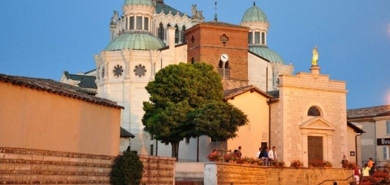 Pilgerfahrt nach Lourdes - Zu einer Heilquelle des Glaubens