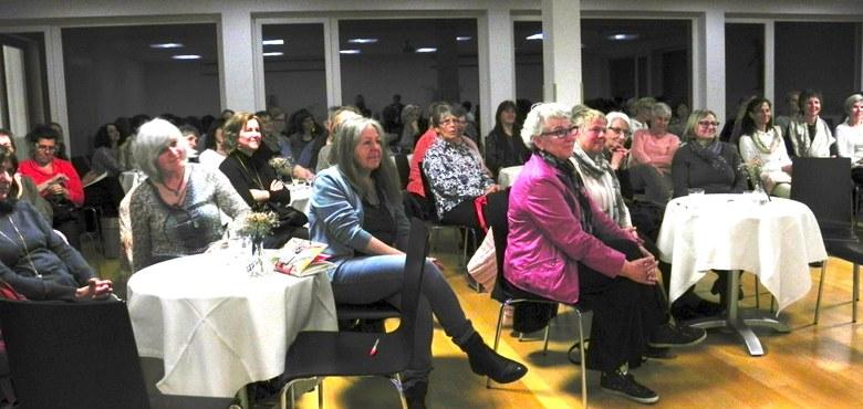 Von Frauen für Frauen: FrauenSalon mit Monika Hauser