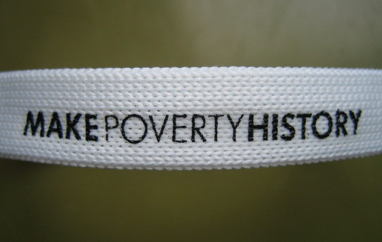 essay on human poverty Poverty and human rights 8 pages 1959 words august 2015 saved essays save your essays here so you can locate them quickly.