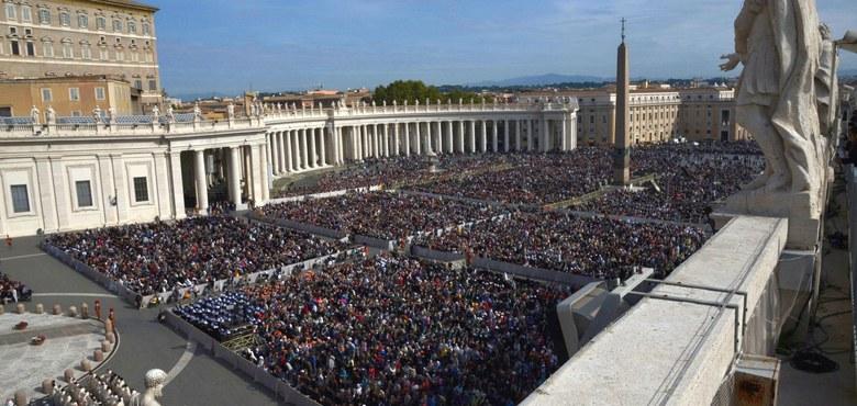 Papst fordert mutige Initiativen für den Frieden