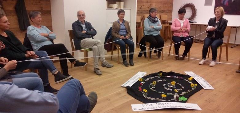 Ein Netz für mehr Lebensqualität geknüpft beim Ned lugg lau Treffen