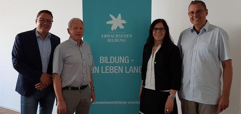 Vorarlberger Erwachsenenbildung - alter und neuer Vorstand
